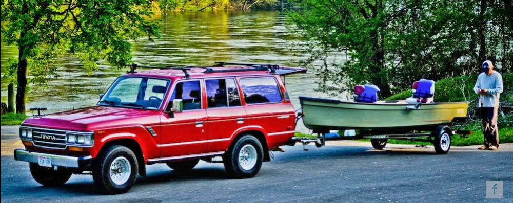 Brad Bohen's '88 Land Cruiser pulling a Towee Rivermaster Skiff. Click to go to the Towee website. Copyright Towee Boats.